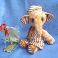 Слонёнок Мишка
